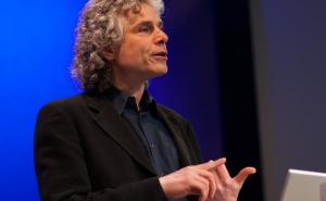 Steven Pinker: The surprising decline in violence 消除对暴力的误解
